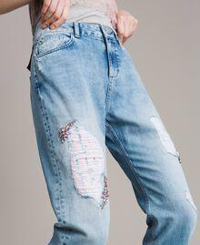 Bestickt und gerippte Girlfriend-Jeans Denimblau Frau 191MP2480-04