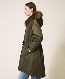 Parka con capucha y pelo sintético Dark Olive Green Mujer 202MP2020-04