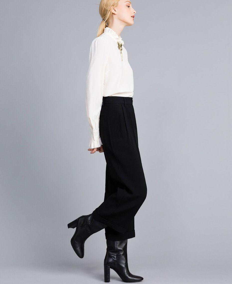 Pantaloni cropped in envers satin Nero Donna TA824K-01