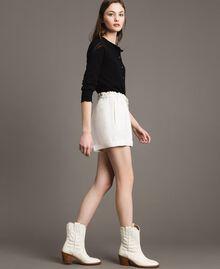 Shorts aus Leinenmischung Weiß Schnee Frau 191TP2205-03