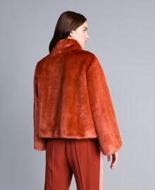 Kurzjacke aus Pelzimitat Redwood-Rot Frau SA82BB-03