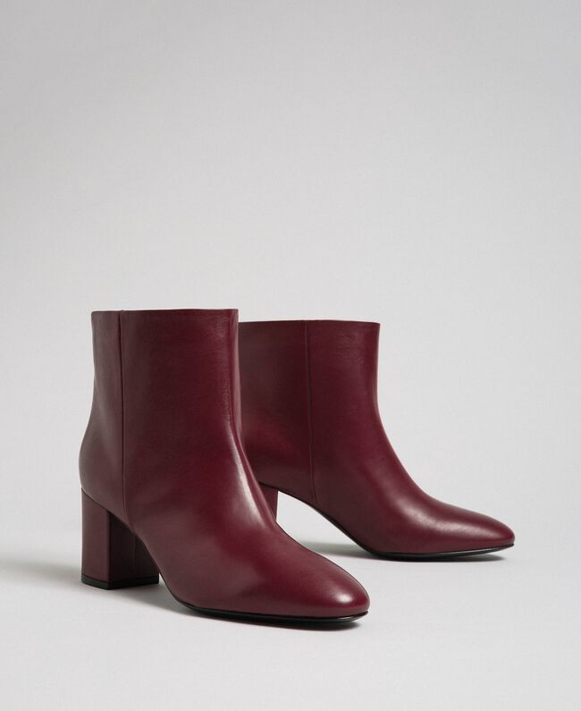 Leather ankle boots Beet Red Woman 192TCP102-01