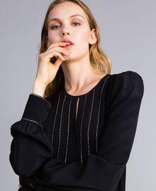 Kurzes Kleid aus Seidenmischung mit Strass Schwarz Frau TA8234-04