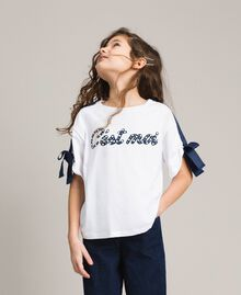 Jersey T-shirt with print and bows Two-tone Optical White / Indigo Child 191GJ2210-02