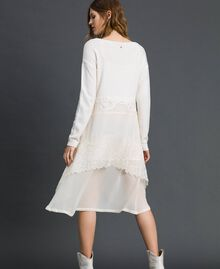 Robe en maille avec crêpe georgette et dentelle Blanc Neige Femme 192TT3081-03