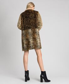 Cappotto in similpelliccia animalier Patch Animallier Donna 192TT2250-03