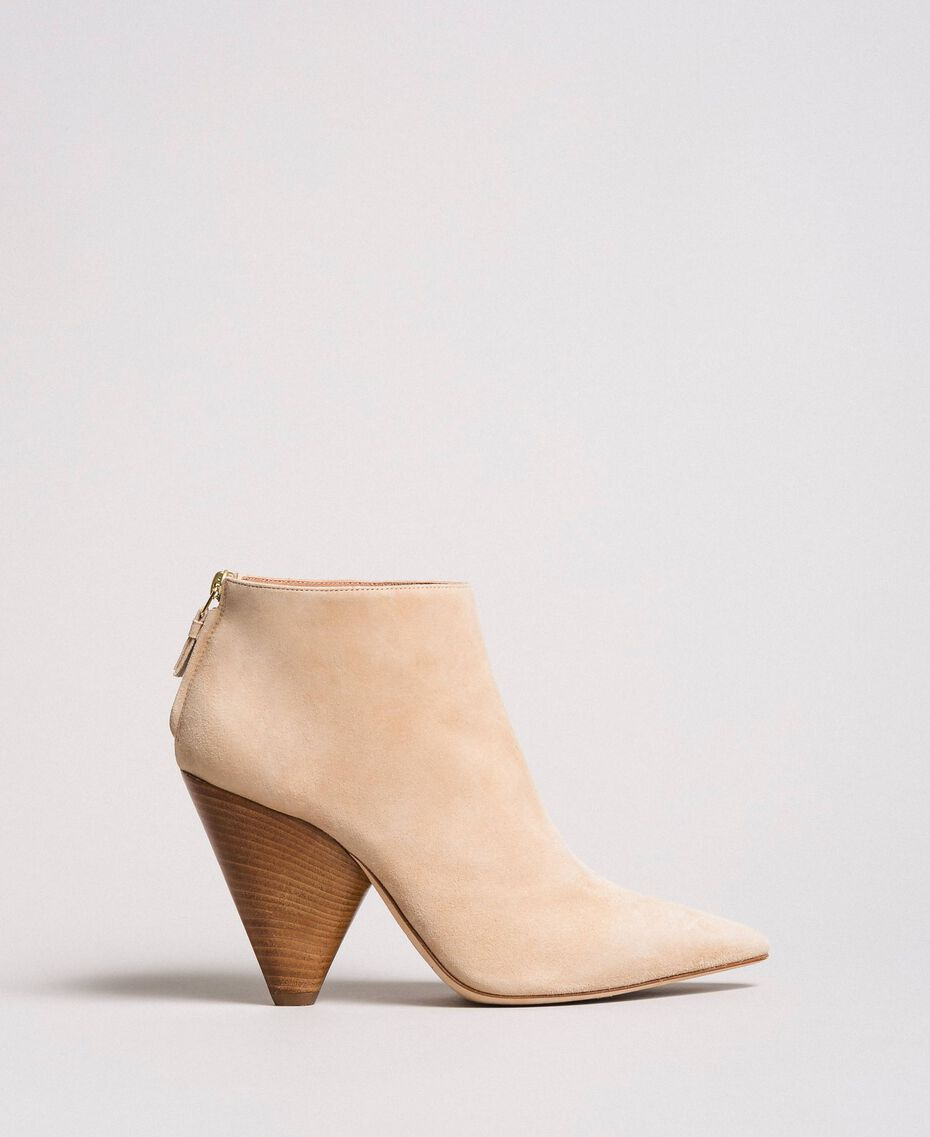 "Suede ankle boots ""Mid Tan"" Brown Woman 191TCP130-02"