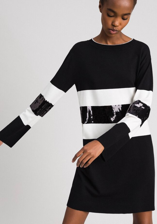 Striped knitted dress with sequins