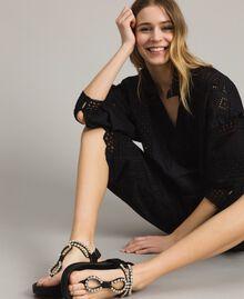 Sandales en cuir avec strass et bouton Noir Femme 191TCT092-0S