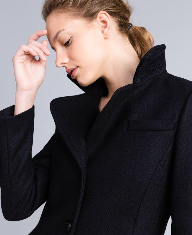 Manteau en drap avec dentelle dans le bas Noir Femme PA826S-01