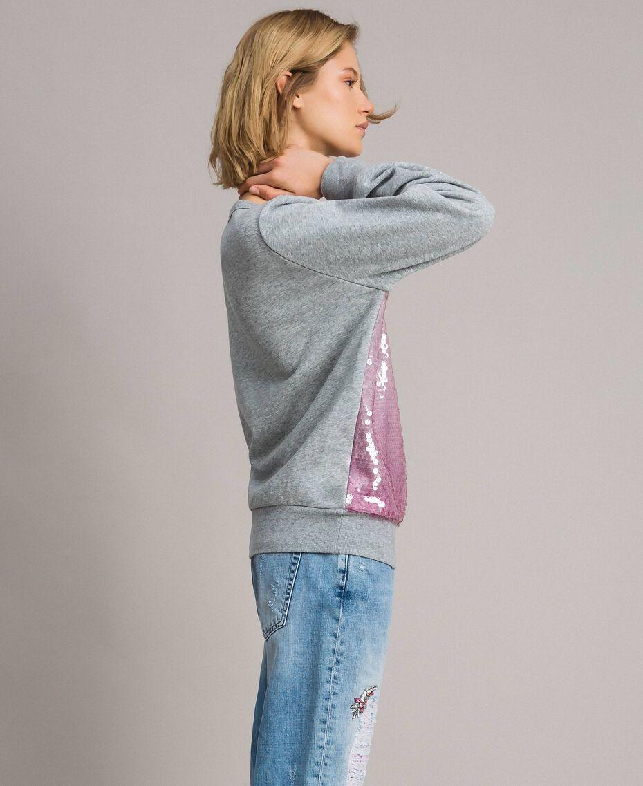 Sweatshirt mit Pailletten im Farbverlauf Zweifarbig Melange Hellgrau / Hortensienpink Frau 191MP2073-02