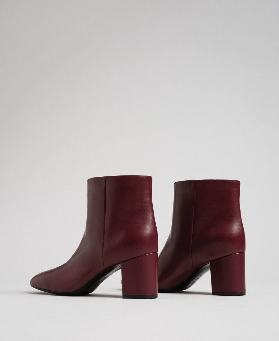 Leather ankle boots Beet Red Woman 192TCP102-02