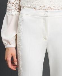 Hose in Croppedlänge mit Spitze Weiß Schnee Frau 192TT2210-05