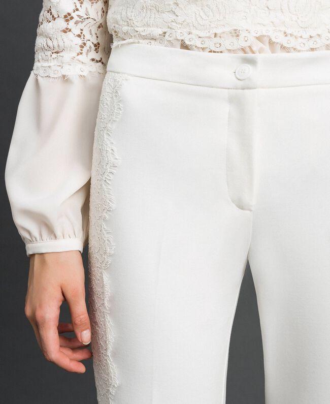 Укороченные брюки с кружевом Белый Снег женщина 192TT2210-05