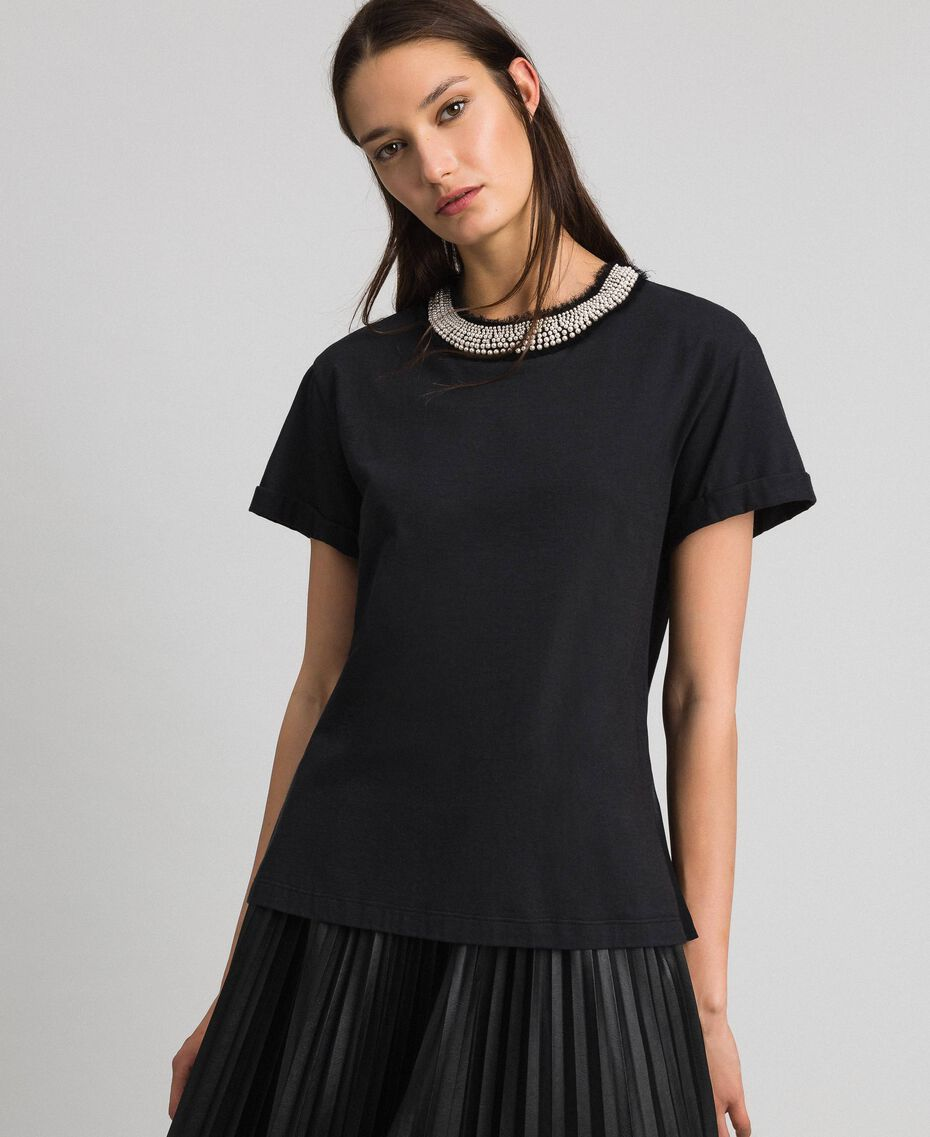 T-shirt with pearl jewel neckline Black Woman 192TT2562-01