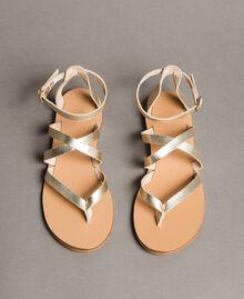 Sandales en cuir laminé avec lanières Platine Femme 191TCT09W-03