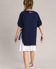 Kleid aus Milano-Strick mit Popeline-Volant Zweifarbig Indigo / Optisch Weiß Kind 191GJ2211-03