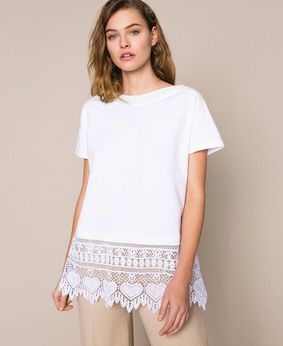 Maxi T-shirt with macramé embroidery