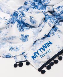 Étole imprimée de bouquets fleuris Imprimé Fleurs Blanc Optique / Bleu «Indigo» Femme 201MO5301-02