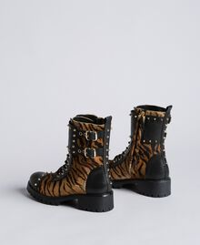 """Schnürstiefelette aus Leder mit Animaliereinsätzen Print """"Tiger"""" Frau CA8TEJ-04"""