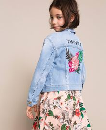 Giacca boxy in jeans con ricamo Denim Chiaro Bambina 201GJ2360-01