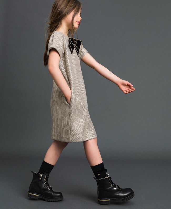 Laminated knit dress with brooch Pale Gold Yellow Child 192GJ2364-04