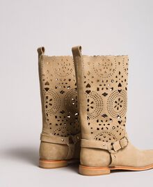 Embroidered suede boots Nougat Beige Woman 191TCP118-03