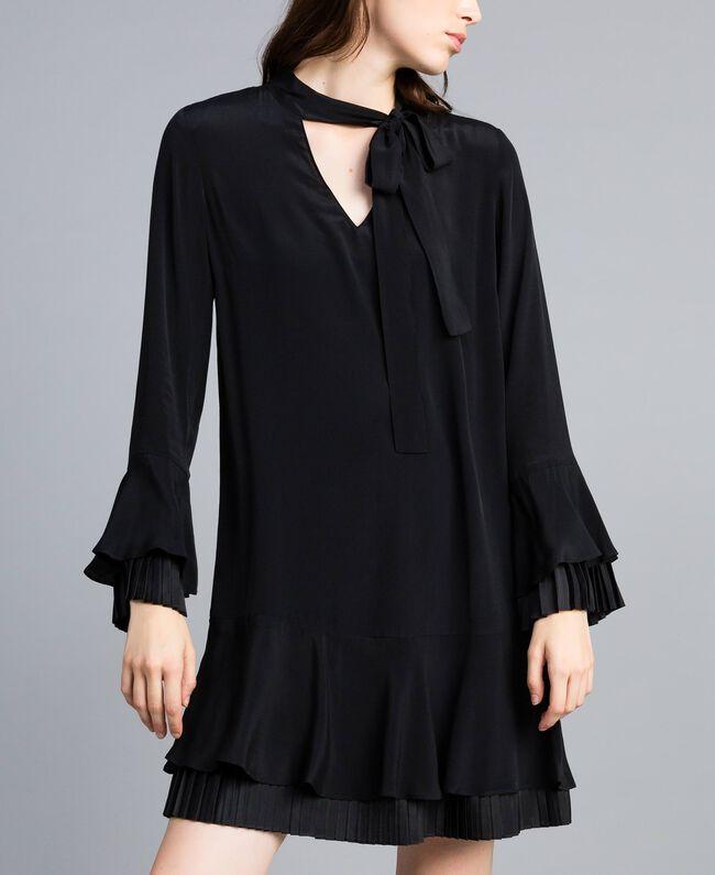 Robe courte en soie mélangée avec plissé Noir Femme TA823S-03