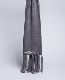 Knitted scarf with bezels Medium Gray Mélange Woman SA8F91-01