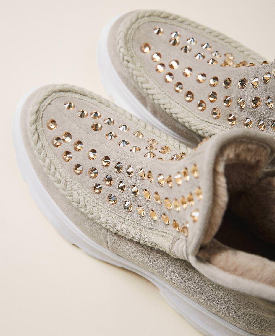 Bottines en cuir velours avec strass Bicolore Blanc «Optique» / Beige «Topaze» Femme 202MCP014-02