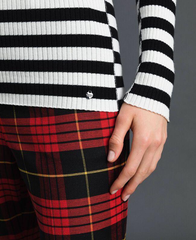 "Turtleneck jumper with two-tone stripes Black / ""Papyrus"" White Stripe Woman 192TP3090-04"