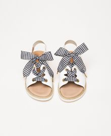 Кожаные сандалии со шнурками в мелкую клетку «виши» Белый Pебенок 201GCJ142-04