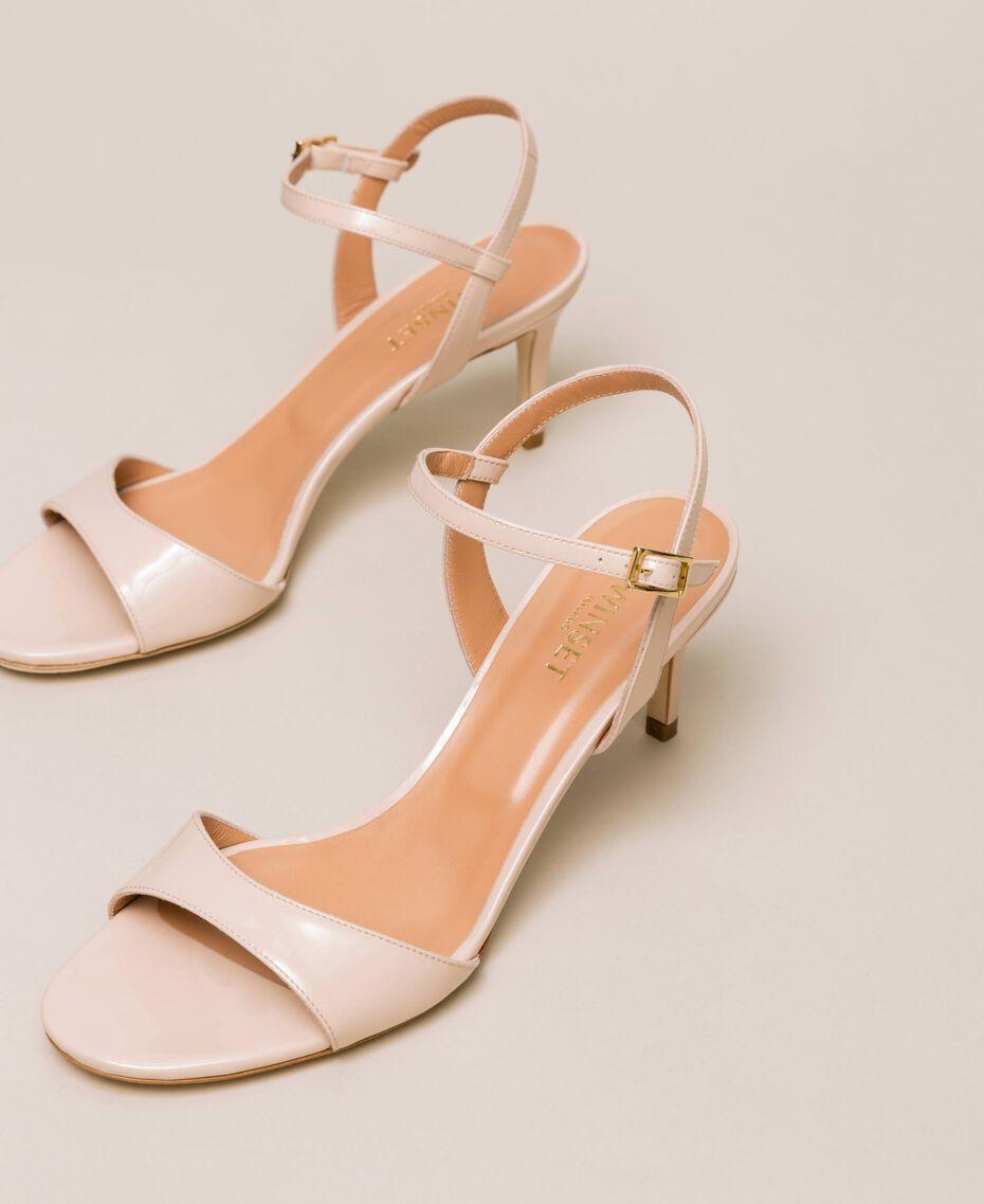 Sandalette aus Leder Blütenknospenrosa Frau 999TCT012-02