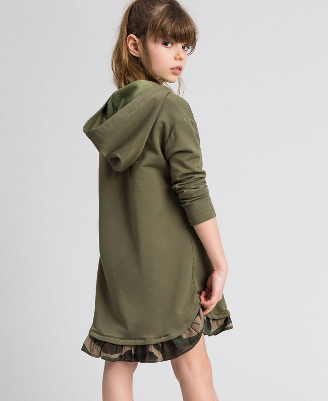 Robe en molleton avec capuche et patch papillon Vert «Alpin» / Imprimé Camouflage Enfant 192GJ2561-03