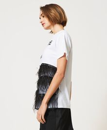Rhinestone and feather t-shirt Optical White / Black Woman 211MT2600-03