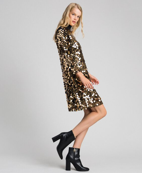 Платье из тюля с пайетками