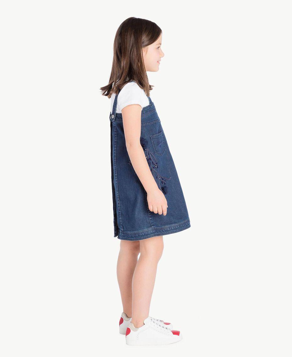 Kleid aus Denim Stickerei Denimblau / Ozeanblau Kind GS82JB-03