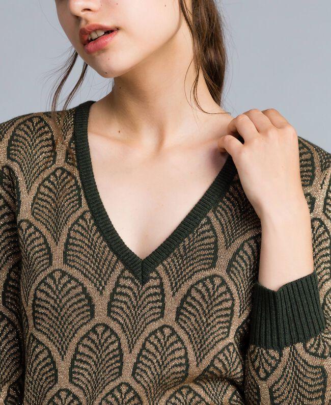 Pullover aus Wollmischung und Lurex in Jacquardverarbeitung Jacquard Waldgrün / Goldlurex Frau TA8323-01