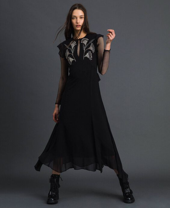 Long georgette dress with floral embroidery