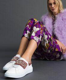 Sneakers aus Leder mit Strass Optisches Weiß / Nude-Rosa Frau 192TCT110-0S