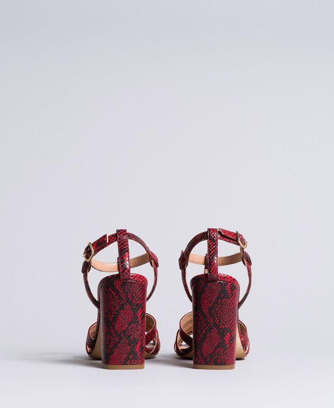 Sandalette aus Animalierleder Schlangenhaut Bordeaux Frau CA8PQ3-03