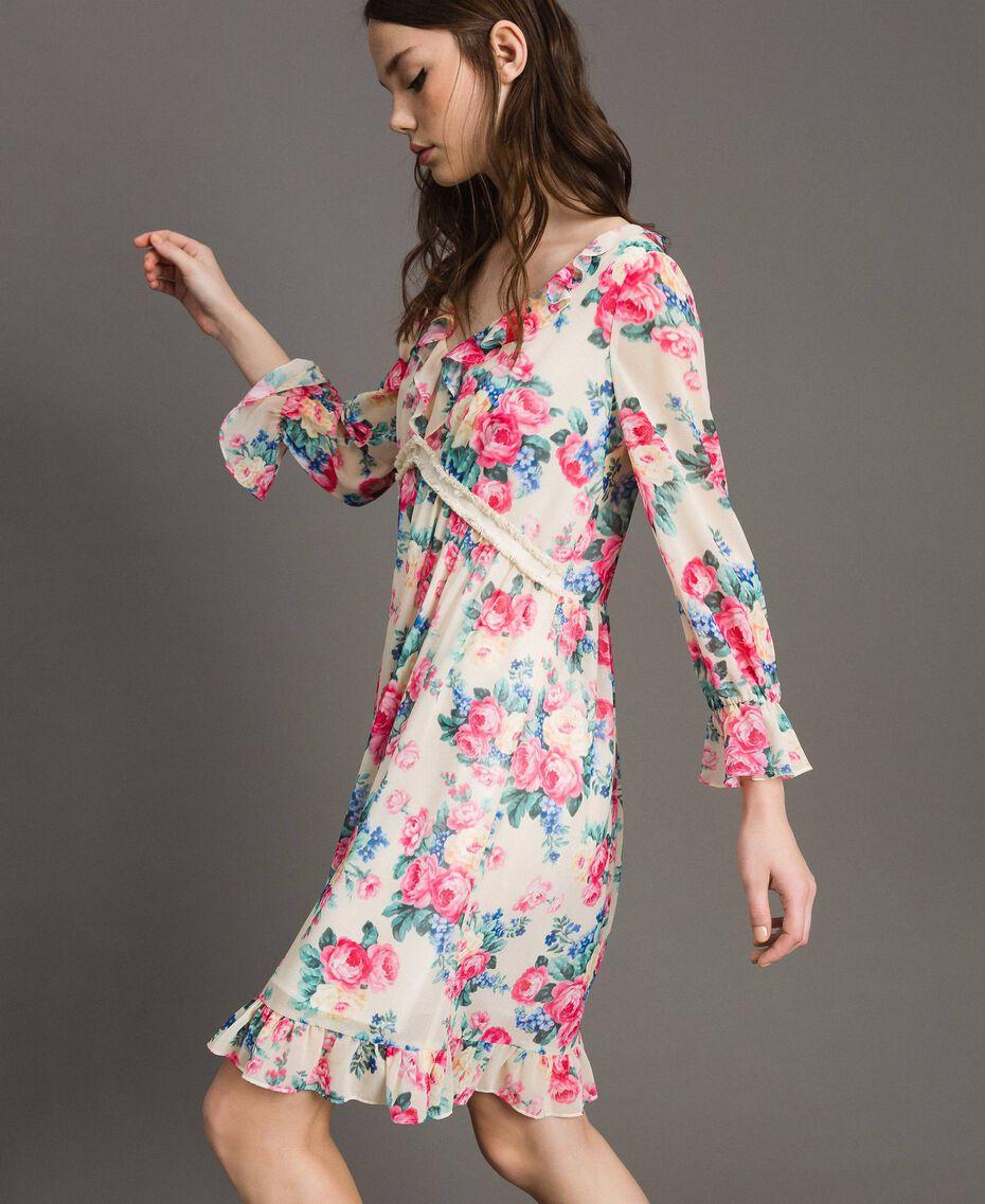 Georgette-Kleid mit Blumenmuster Motiv Tuch Weiße Blumen Frau 191MP2331-02