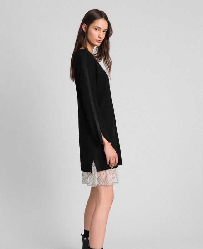 Kleid mit Lurexstreifen und Unterkleid Schwarz Frau 192MP3100-03