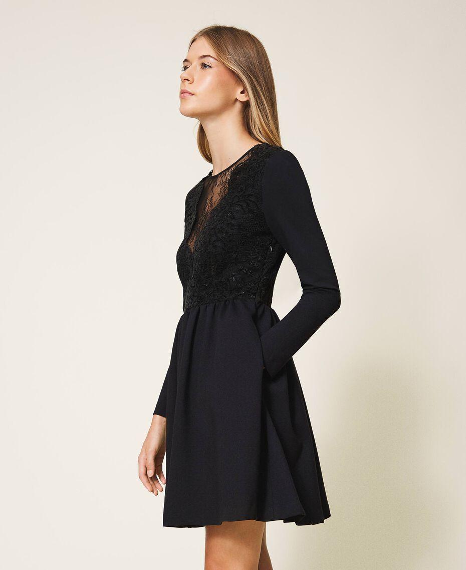 Kleid mit Spitze Schwarz Frau 202TT2285-02