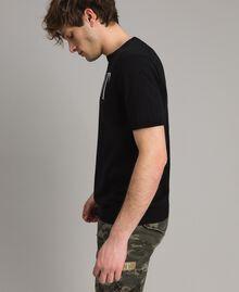 Krepp-Baumwoll-T-Shirt mit Logo Zweifarbig Schwarz / Deckweiß Mann 191UT3041-02