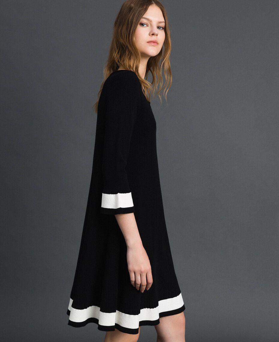"""Платье с контрастными полосами Черный / Белый """"Папирус"""" женщина 192TP3102-02"""