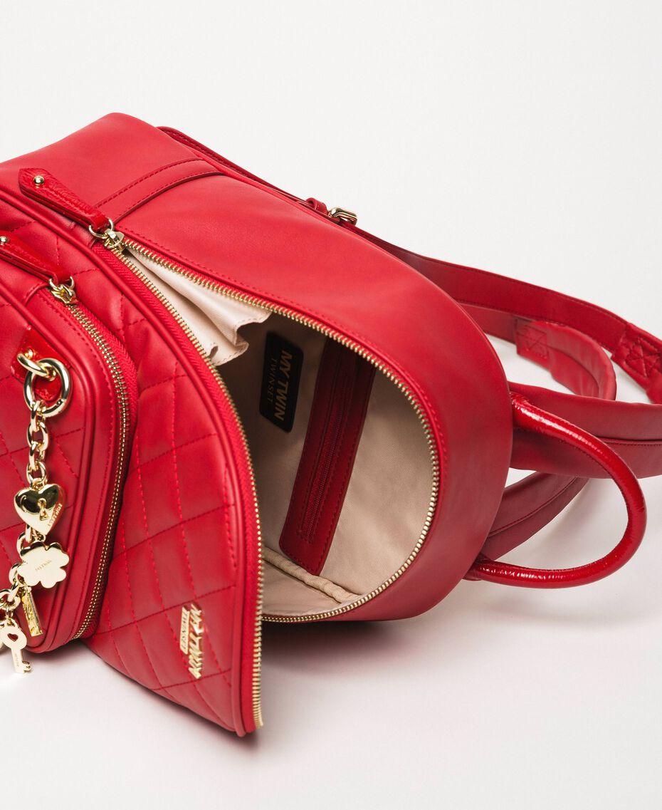 Рюкзак из стеганой искусственной кожи с шармами Красный Венецианский женщина 201MA7042-05