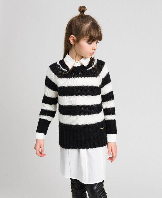 Zweifarbig gestreifter Pullover aus Mohair