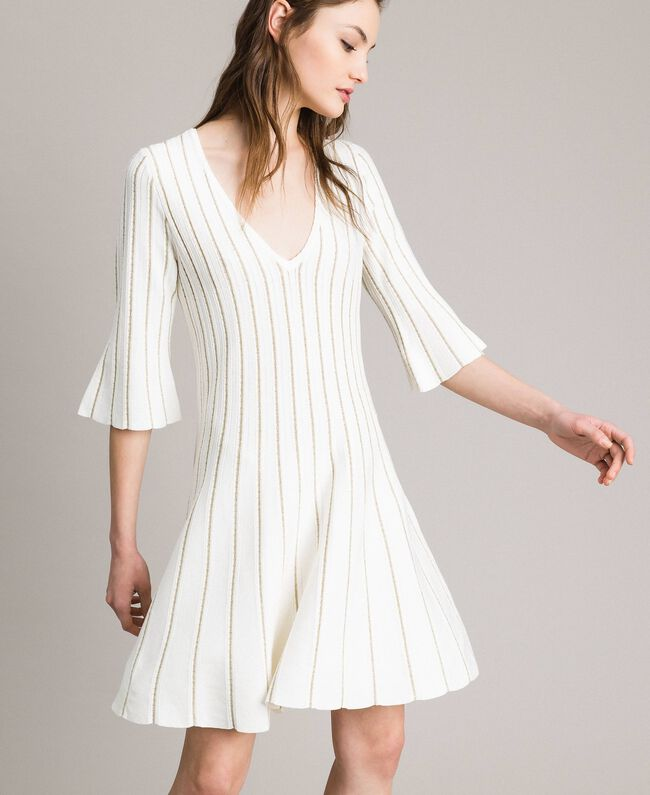 on sale 76427 eb652 Abito in maglia con righe lurex Donna, Bianco   TWINSET Milano