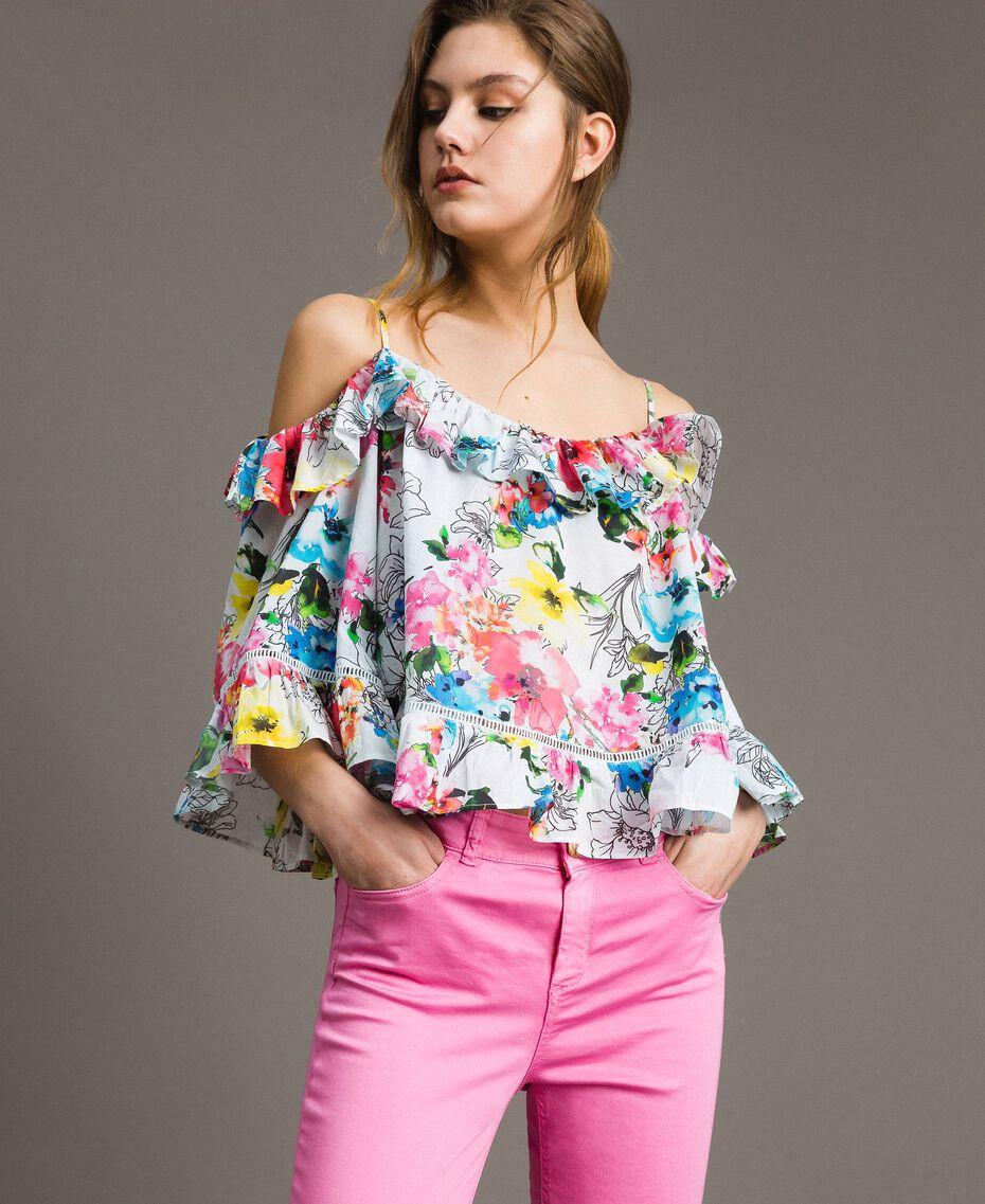 Blusa con estampado de flores y volante Estampado All Over Flores Multicolor Blanco Óptico Mujer 191MT2291-01